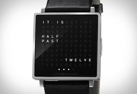 qlocktwo-watch-xl