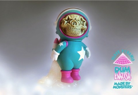 dum-english-x-made-by-monsters-star-skull-astronaut-series-toy-signing-release-03